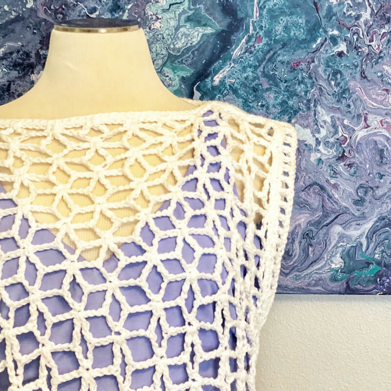 Closer look at the crocheted Star-Strangled Poncho pattern