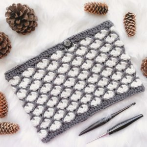 Photo of crocheted Chunky Winter Cowl