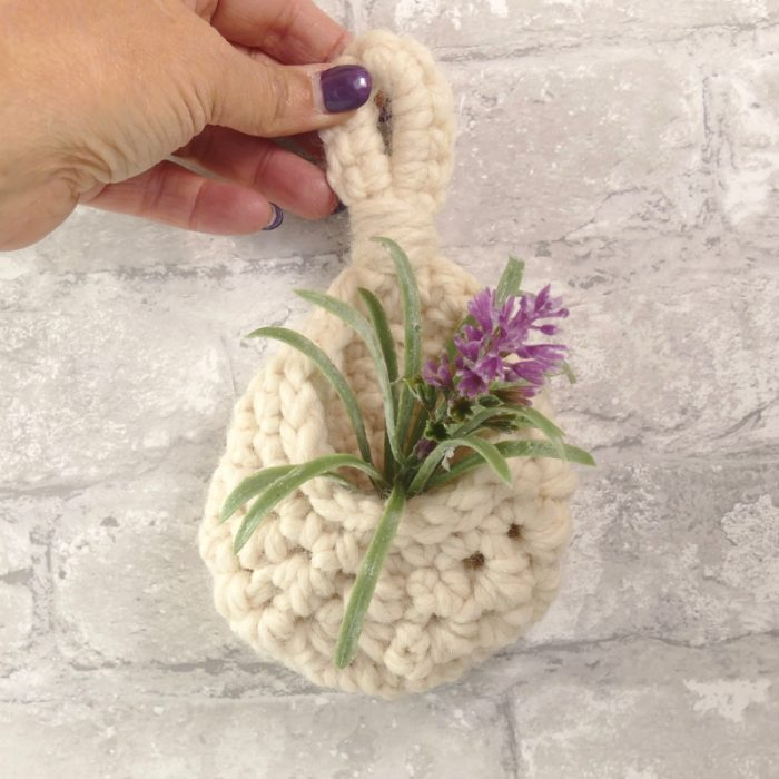 Image of the white aeryn hanging crochet teardrop pouch