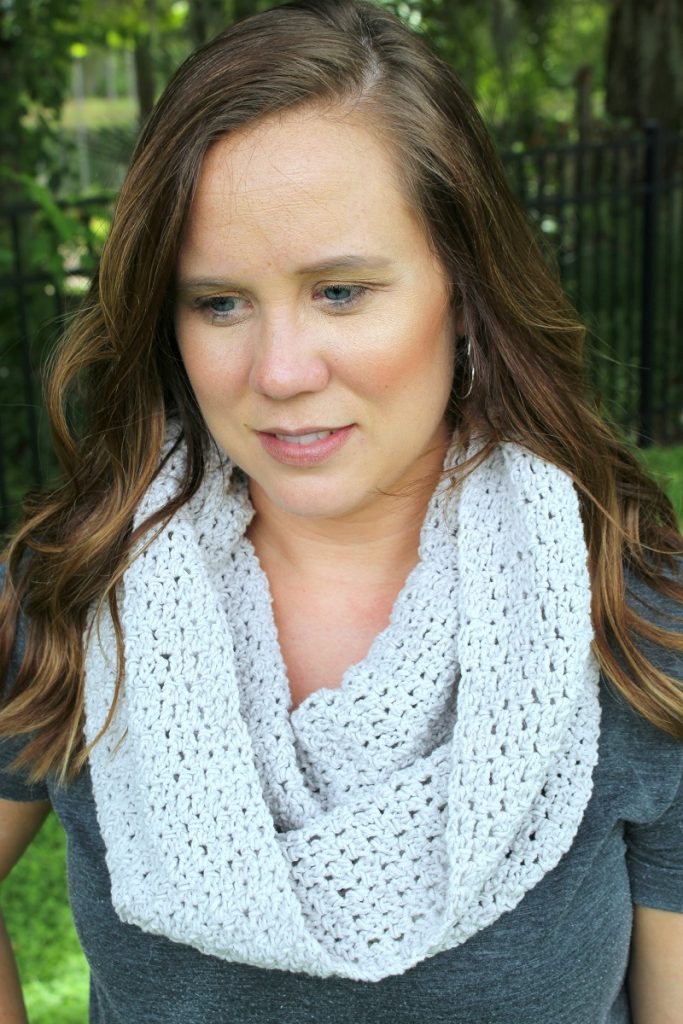 Closer look at the soft and comfy Friendship Cowl worn by Michelle