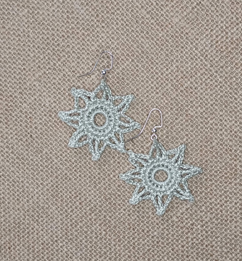 Close up image of the 2nd Bliss This Star Earring design FREE Crochet Pattern