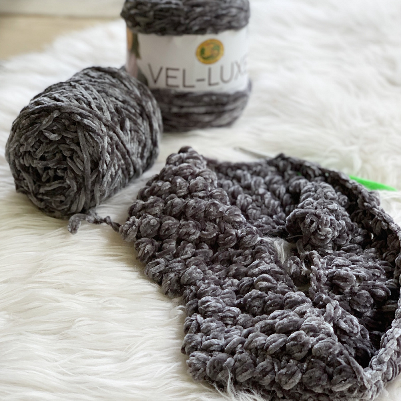 Photo of the Lion Brand Vel-Luxe which was used to make the Velvet Puff Cowl